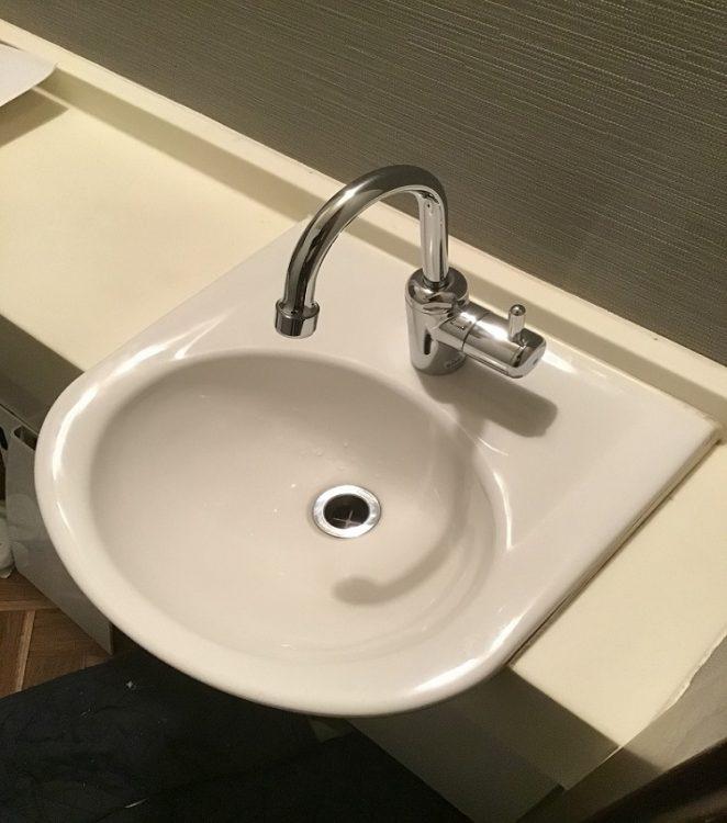 トイレ内手洗い リフォーム後